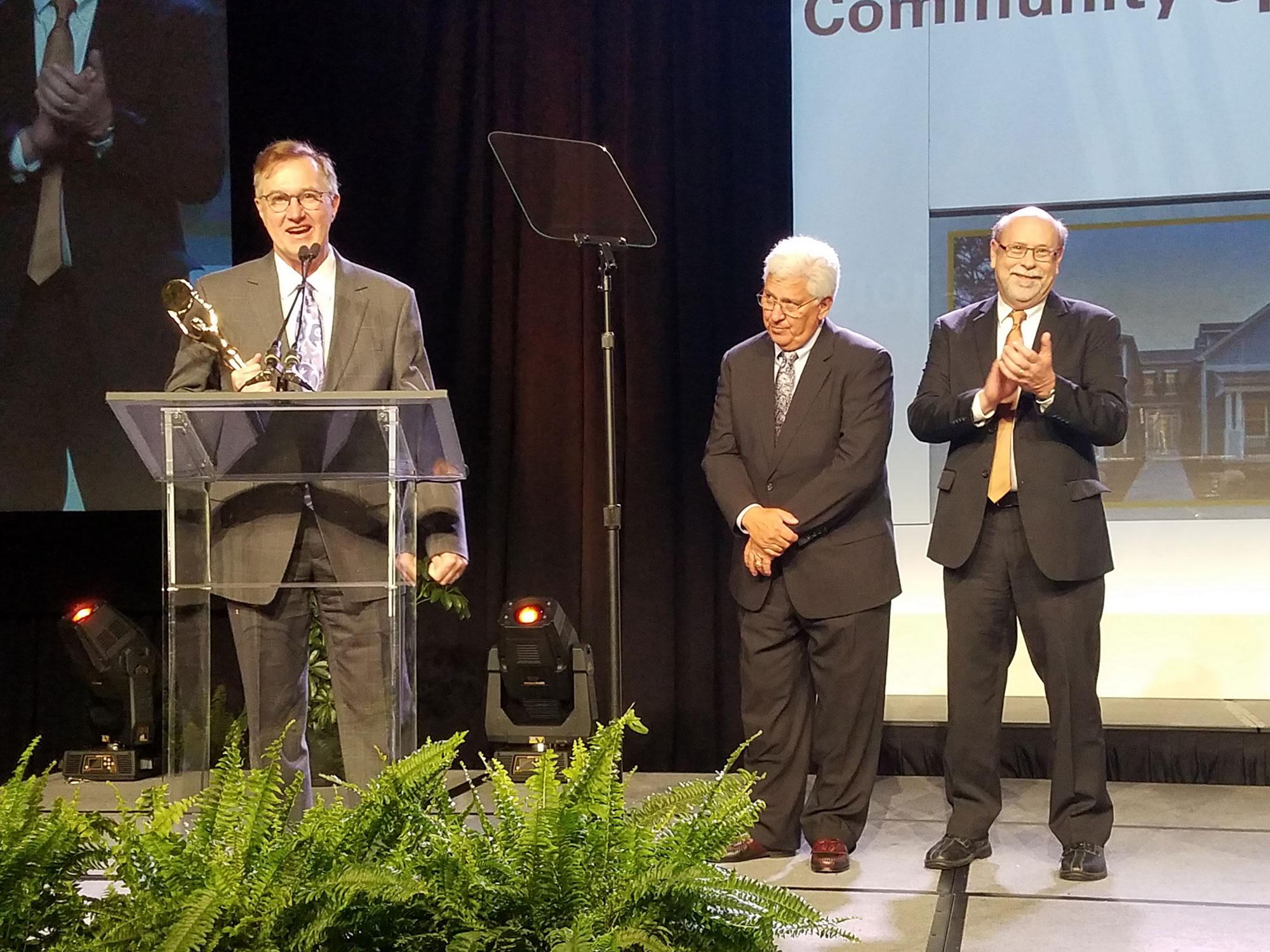 John Guilliams accepts Building Industry Community Spirit Award at the Nationals